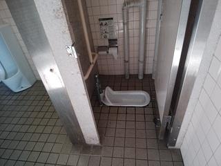 R1.9.17 平和公園トイレ.jpg